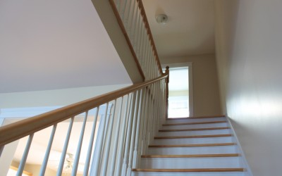 305 Norman: Stairs/upstairs
